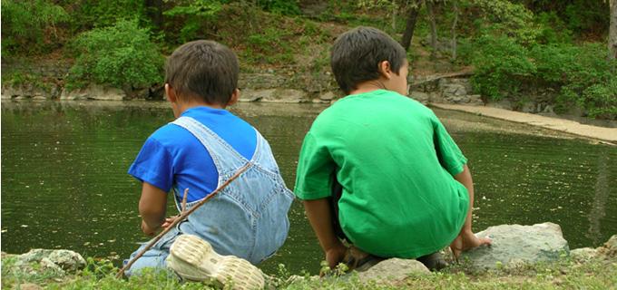 boys-at-pond